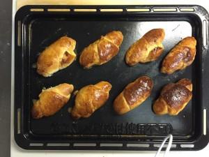 初めての手作りパン。焼き立ては意外とおいしかった